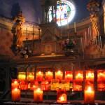 Interior de la iglesia de Rennes le Chateau